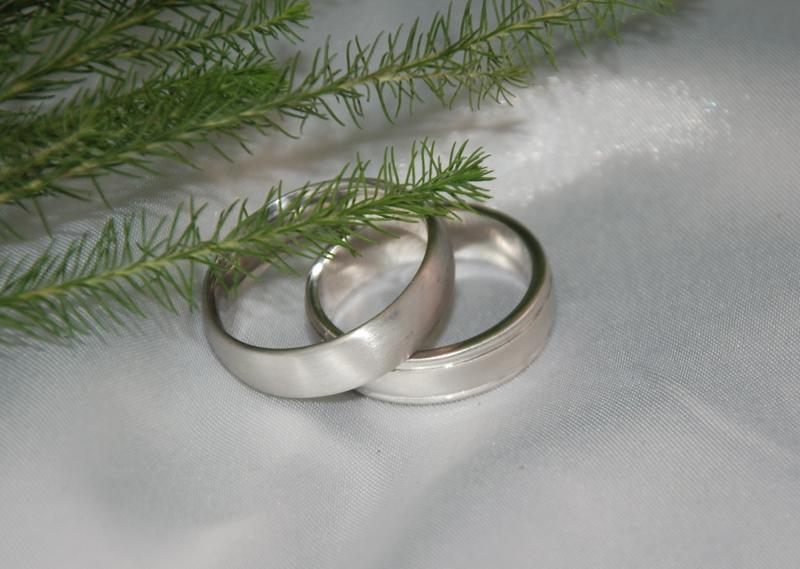Custom Mens Wedding Bands by Bostons Keezing Kreations
