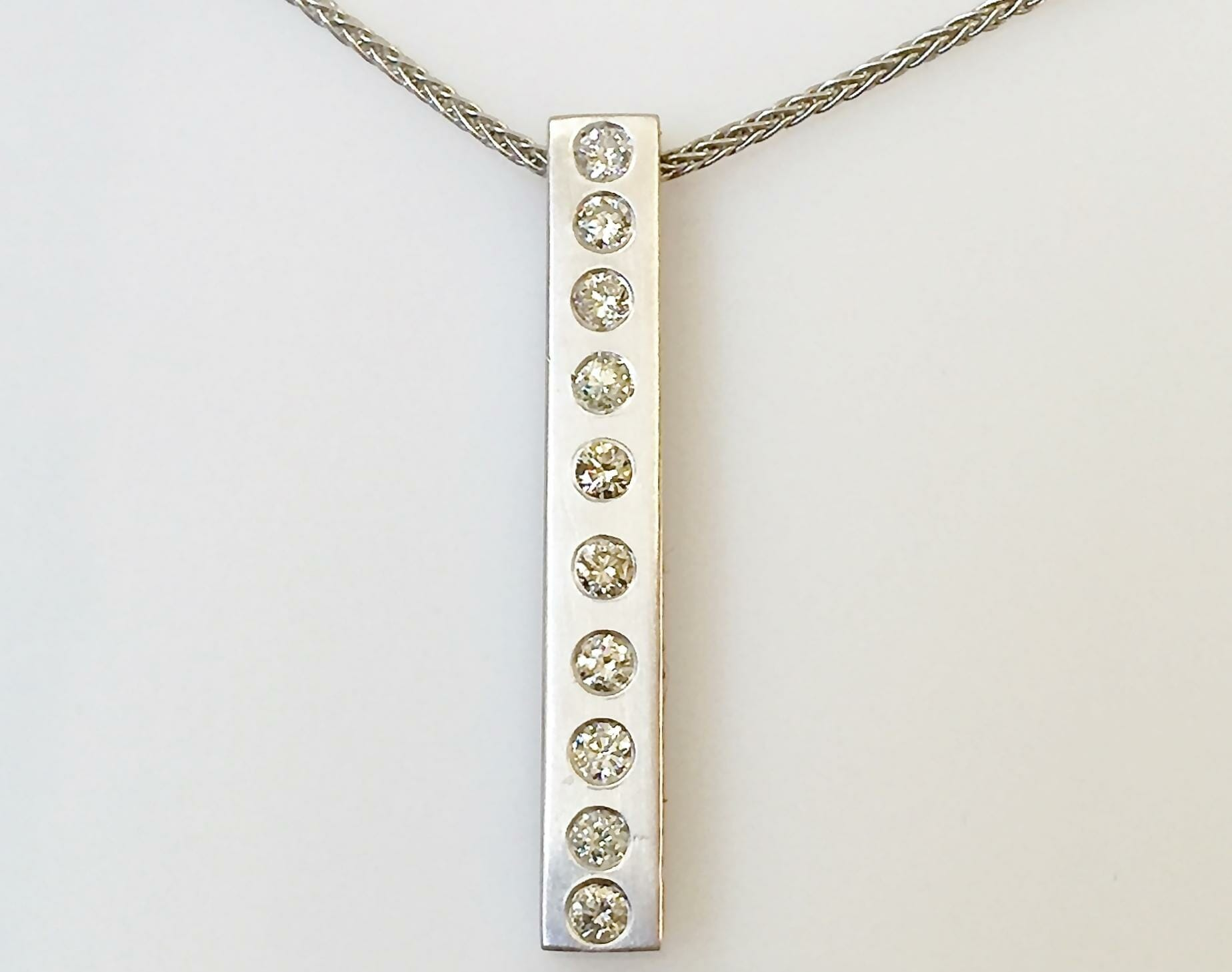 diamond bar pendant necklace