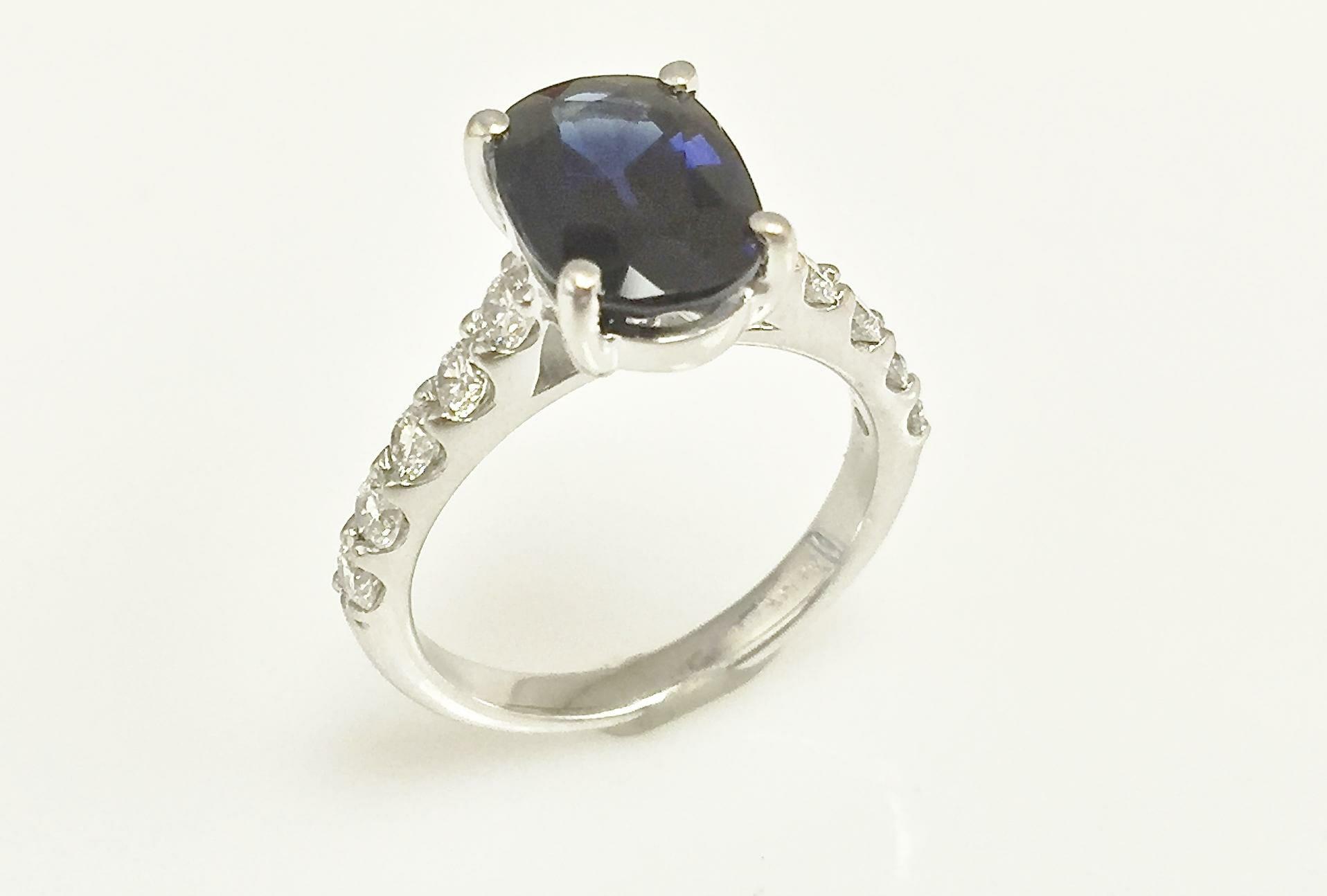 Elaine oval diamond sapphire ring