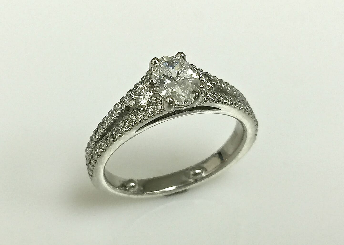 Rebecca Oval Diamond Ring