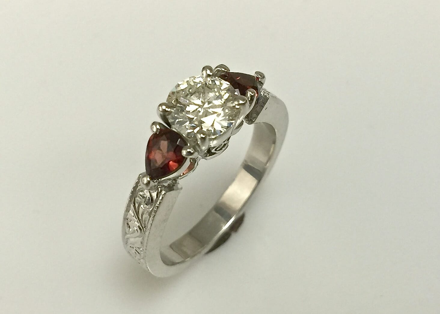 Tereza Diamond Garnet Ring