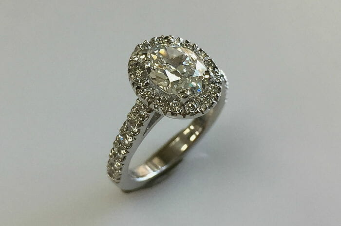 mary oval halo ring