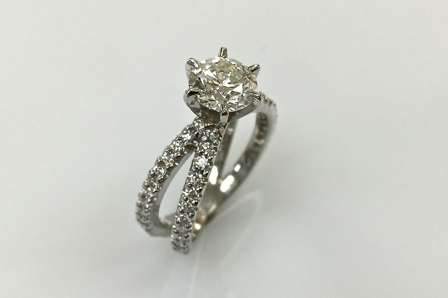 platinum diamond ring with split shank